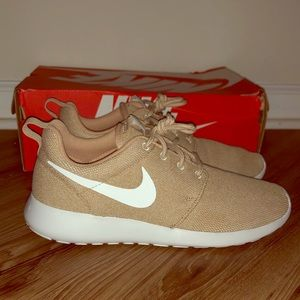 Brand New Nike Roshe One